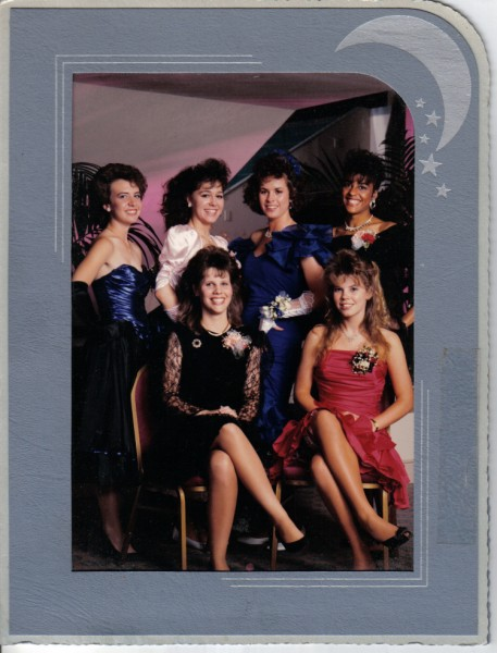 1989 Senior Prom group picture